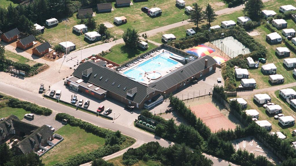 luftfoto af Vedersø Klit Campingcenter
